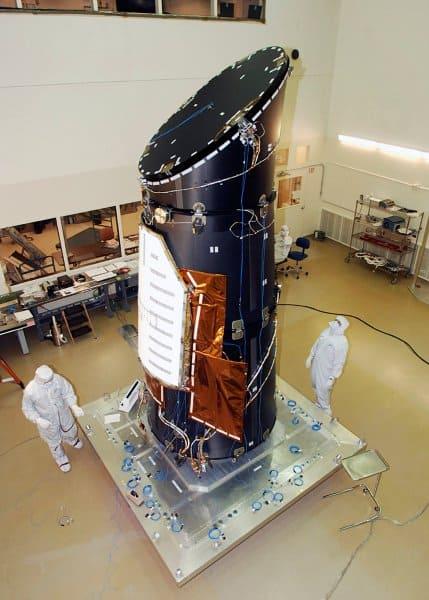 التلسكوب كبلر، والسنة الضوئية
